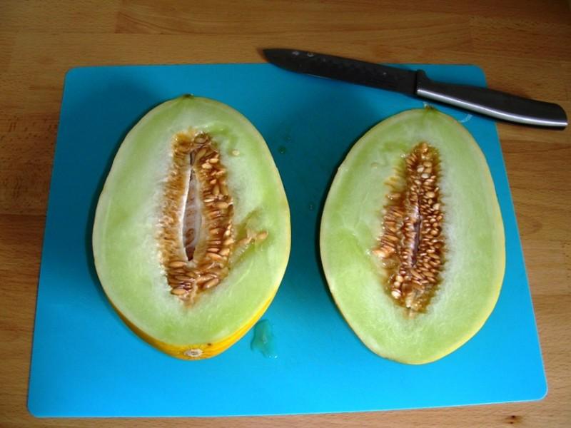Melone halbieren