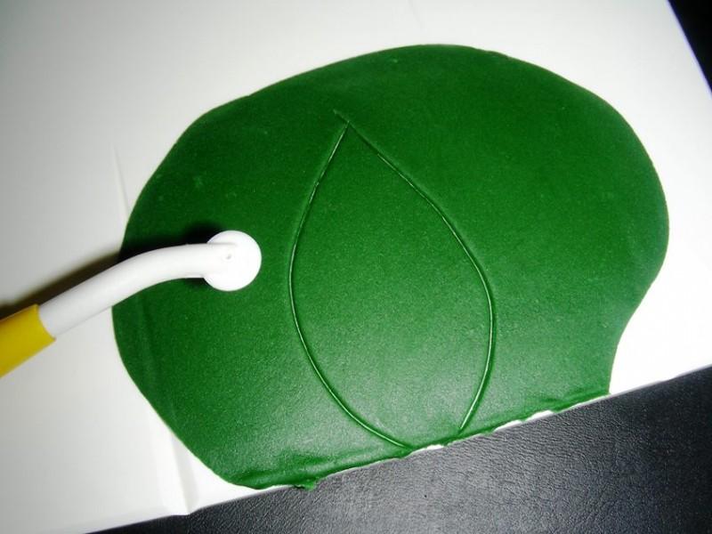Blatt freihand ausschneiden