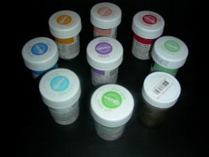 Pastenfarben von Wilton und Sugarflair