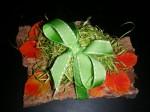 Blätter und Schleife