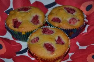 Lagusterina_Himbeer-Erdnuss-Muffins