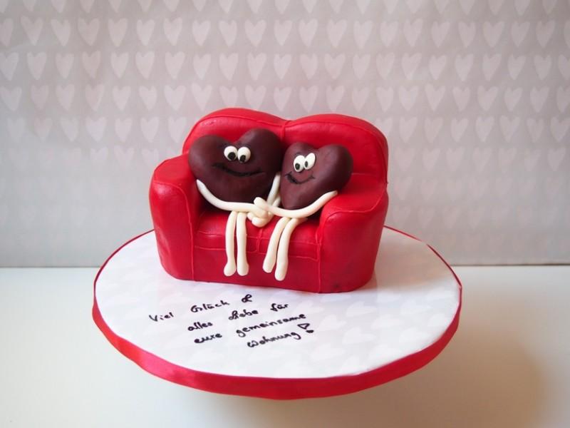 sofa torte f r verliebte. Black Bedroom Furniture Sets. Home Design Ideas