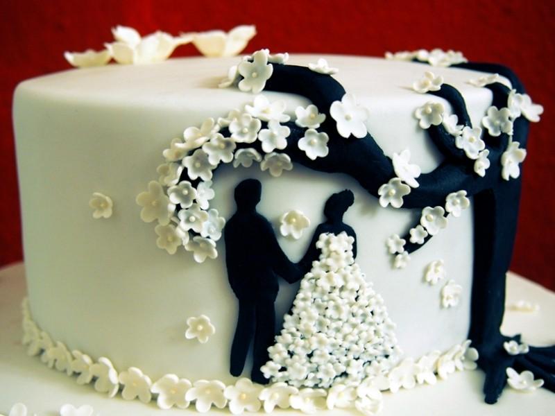 Hochzeitstorte Mit Blumchen