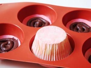 Cupcakes hineindrücken