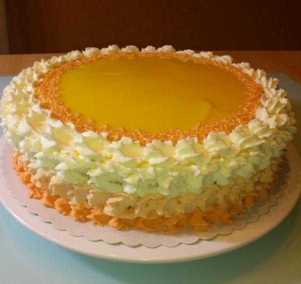 1. Platz: Lilli mit der Klasischen Pfirsich-Marakuja Torte