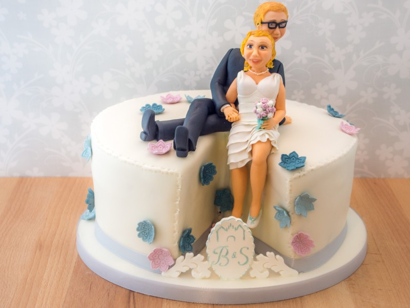 Hochzeitstorte Mit Brautpaar Figur