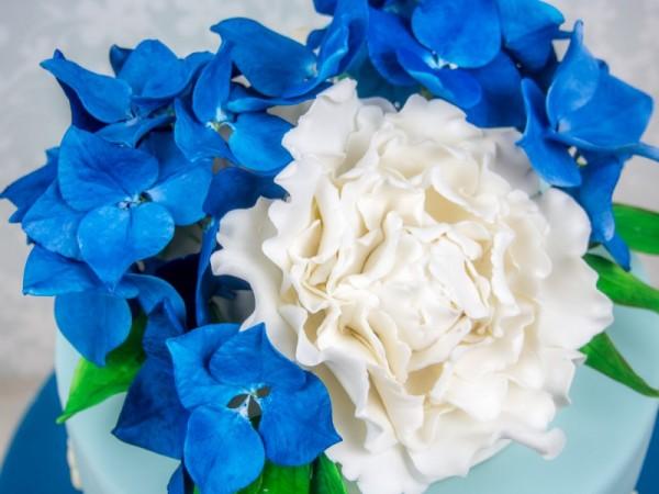 Pfingstrose aus Blütenpaste