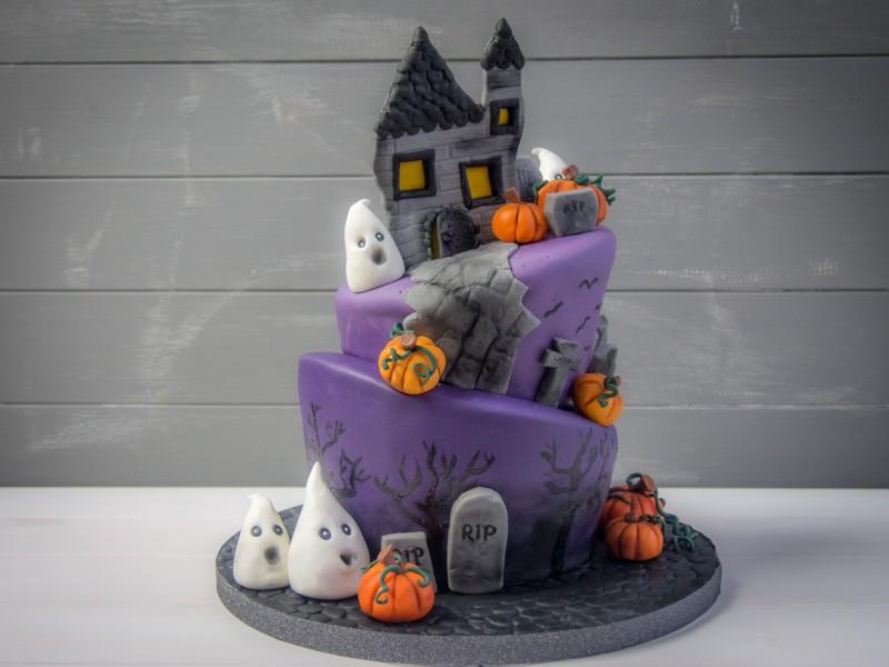 Topsy Turvy Halloween Cake