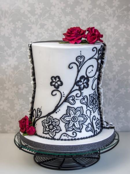 Hochzeitstorte schwarze Spitze