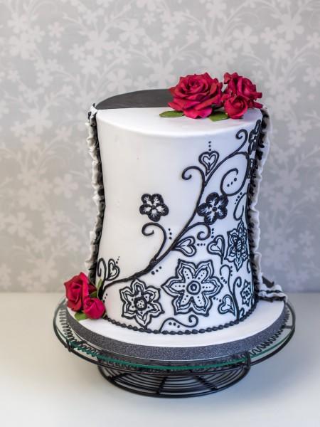 Hochzeitstorte schwarz weiß