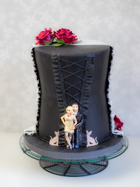 Eine schwarz weiße Hochzeitstorte - Ofenkieker