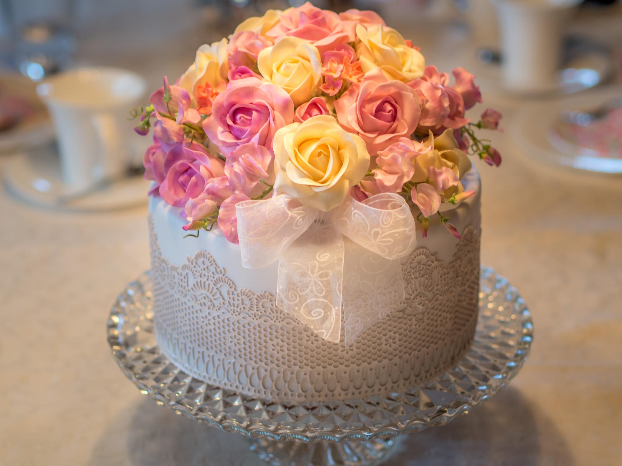 Hochzeitstorte Mit Rosen Zur Diamantenen Hochzeit