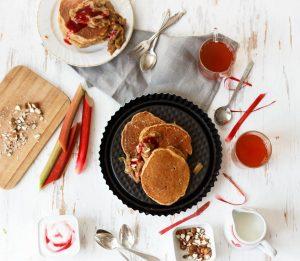Emiliestreats-Pancakes-Rhabarberkompott
