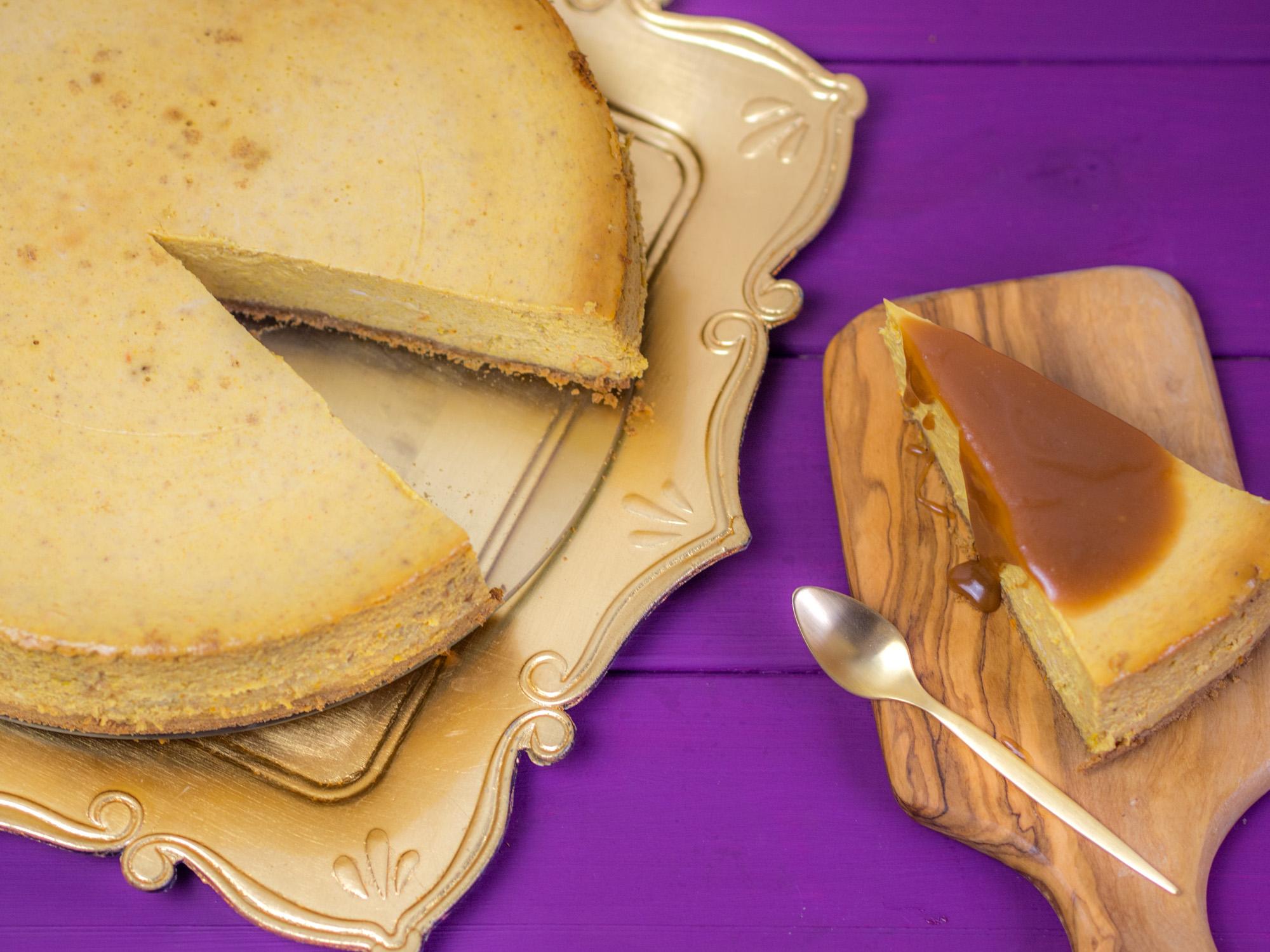 Pumpkin Cheesecake mit Karamellsauce