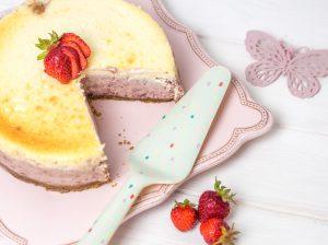 Roasted Strawberry Cheesecake – Käsekuchen mit gerösteten Erdbeeren
