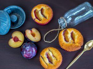 Zwetschgen-Muffins oder Pflaumen-Muffins mit Marzipan