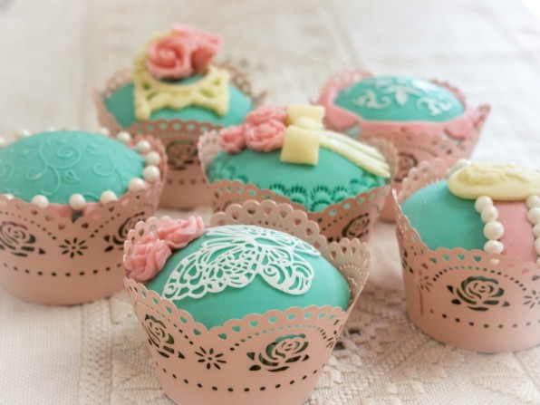Vintage Cupcakes** {Video}