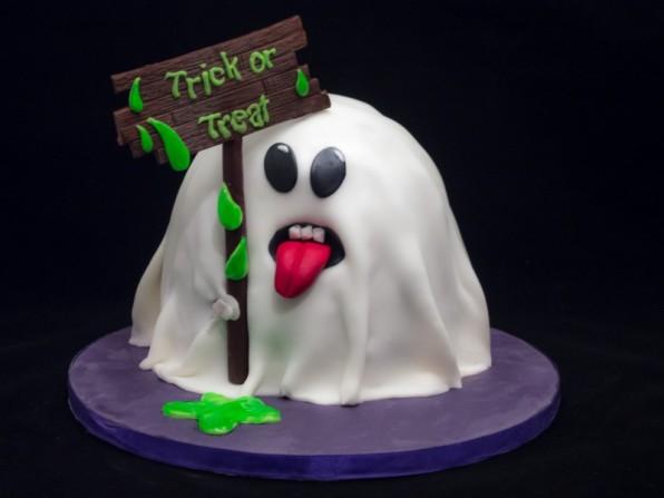 Halloweentorte: Ein Gespenst aus Kuchen