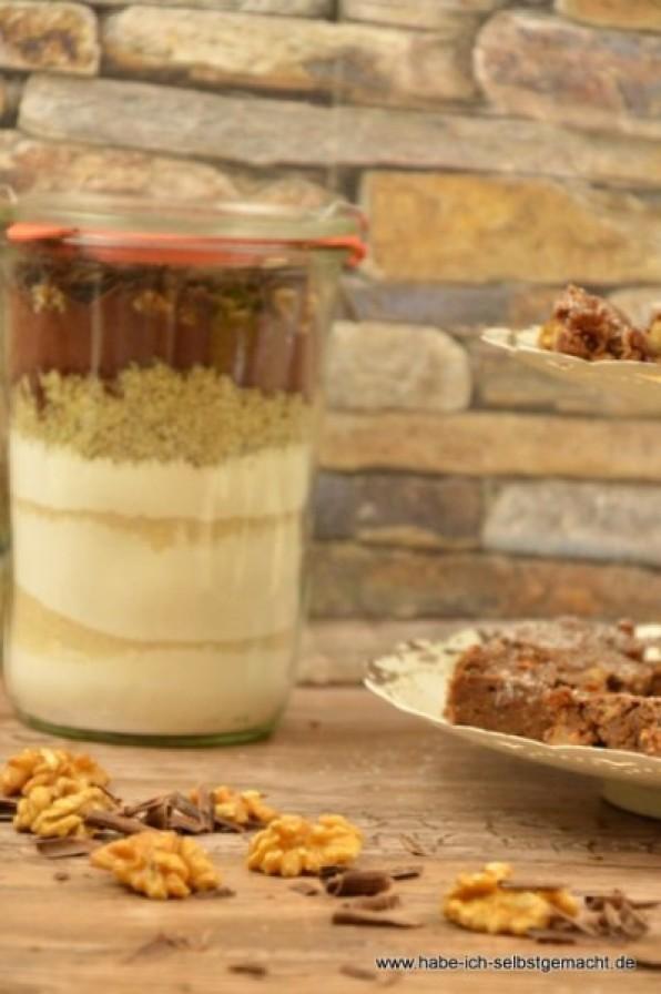 Schokoladen-Apfel-Walnuss-Brownies – Gastbeitrag von Julia