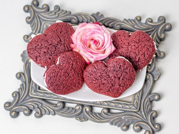 Red Velvet Whoopie Pie Herzen zum Muttertag oder einfach so