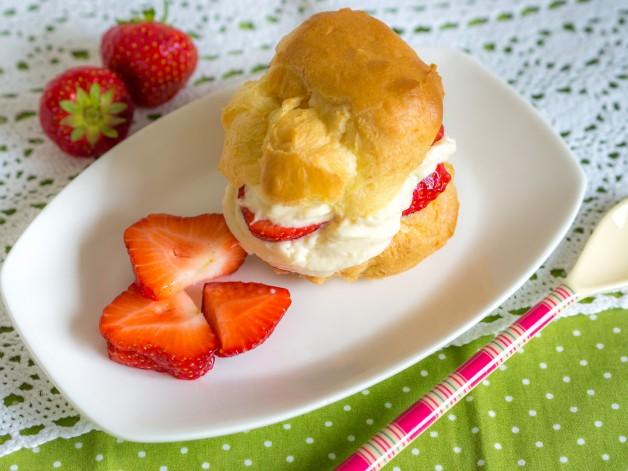 Windbeutel mit Erdbeeren
