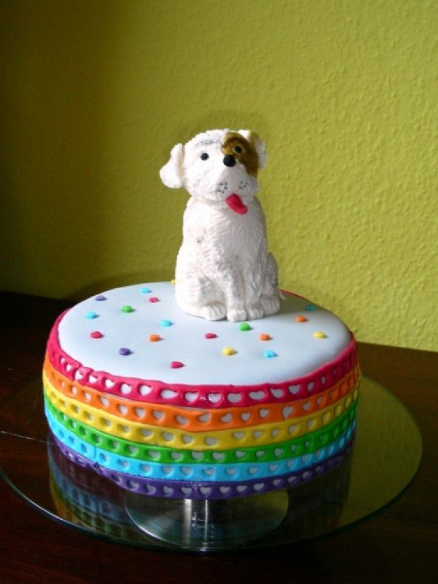 Hunde-Torte ganz bunt