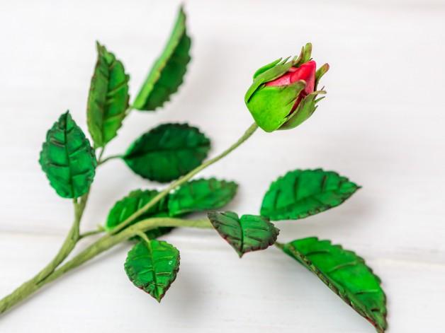 Rosenblätter aus Blütenpaste