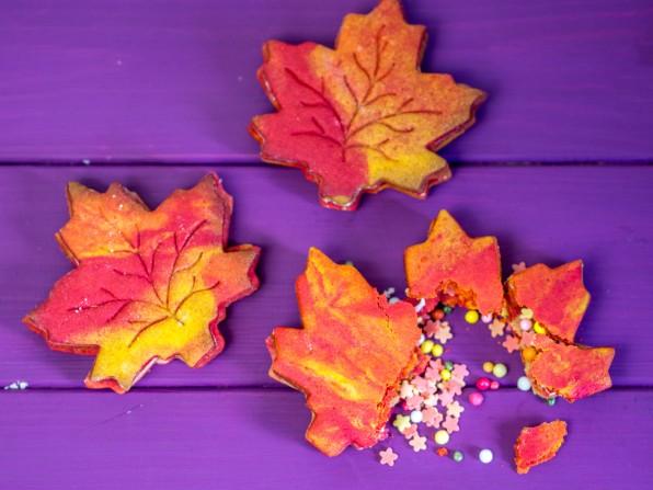 Pumpkin Spice Cookies als Ahornblätter und Pinata-Cookies
