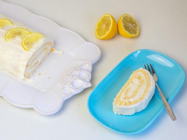 Zitronenrolle / Biskuitrolle mit Zitronensahne