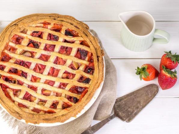Erdbeer Rhabarber Pie – ein fruchtiger Frühlingstraum
