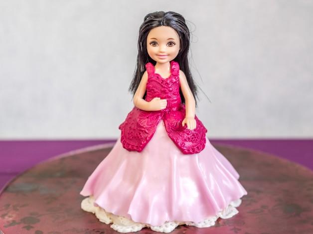 Anleitung Barbie Torte im Kleinformat – Mini Prinzessin Torte {Video}