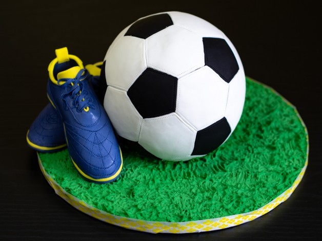 Anleitung für eine Fußball-Torte**