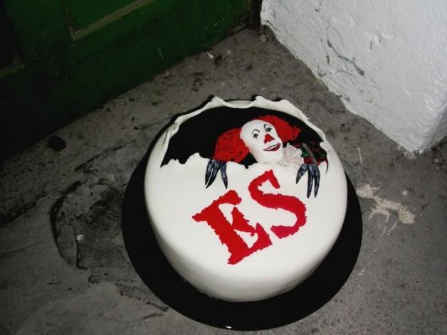 """Torte nach Stephen King's """"Es"""""""