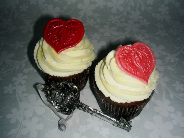 Red Velvet Cupcakes mit Herz