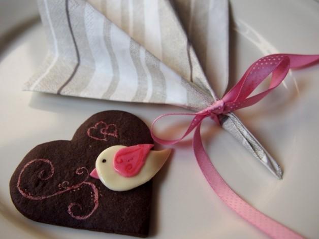 Romantische Herzplätzchen als Tischdeko*