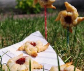 Erdbeer-Frischkäse-Windräder