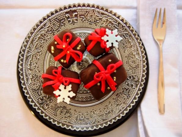 Weihnachtliche Cake Pops mit Mon Chérie