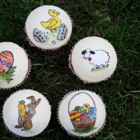 Handbemalte Ostercupcakes