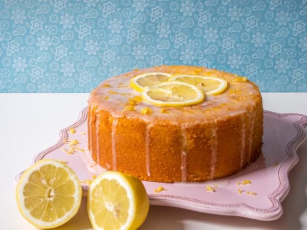 Buttermilch-Zitronenkuchen mit Muskat und Kardamom